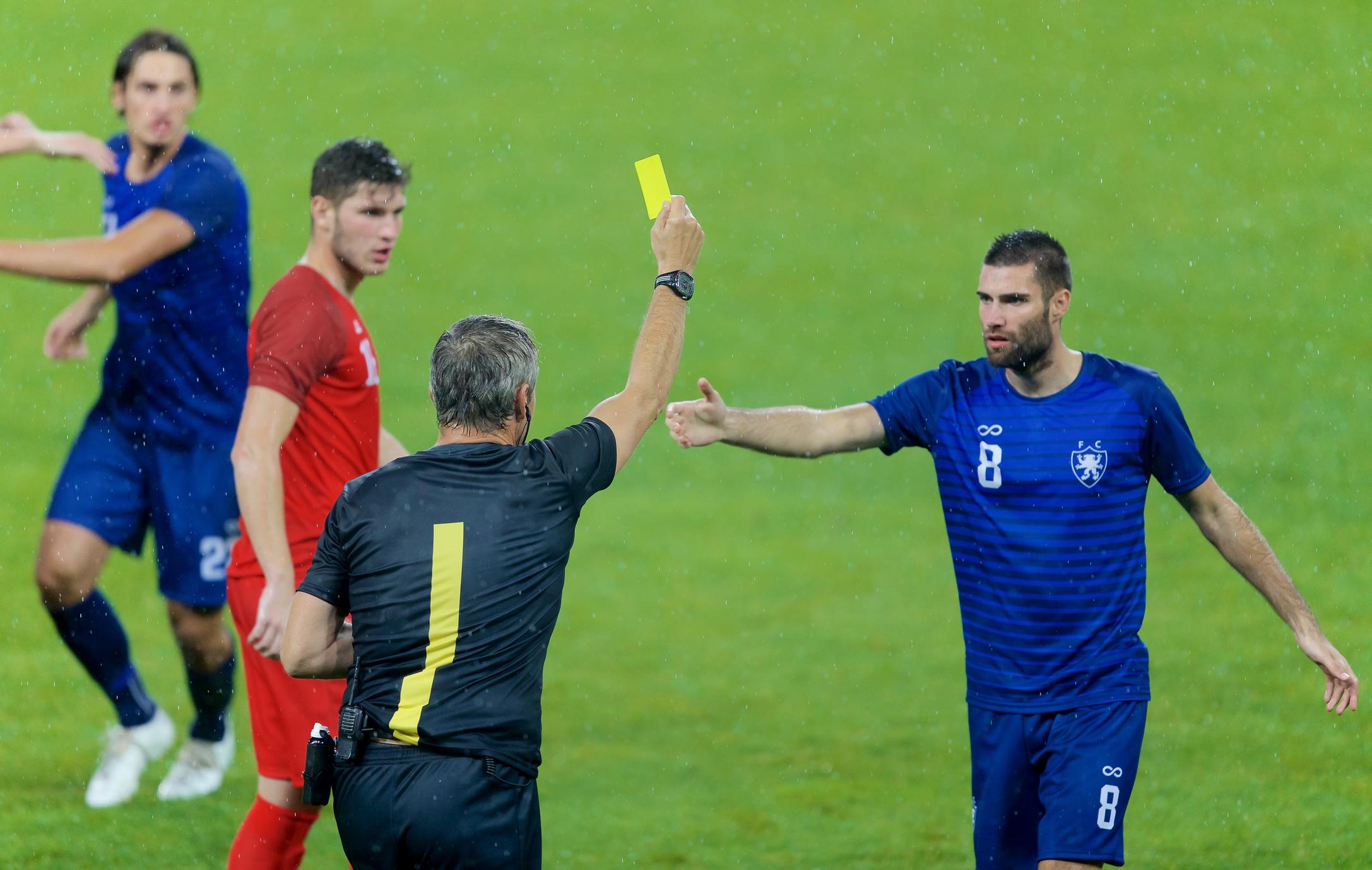 Regler inom fotbollen